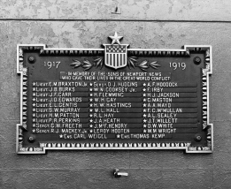 Memorial plaque on the original Victory Arch. (Daily Press archive)