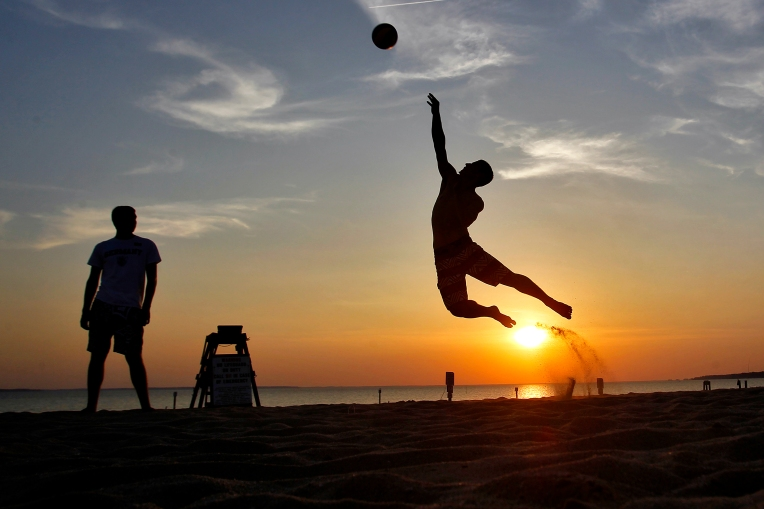 Sunset serve