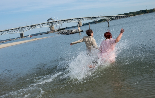 Newport News same-sex couple weds