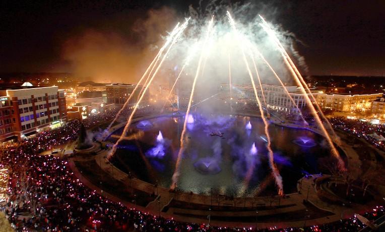 DP Hollydazzle Fireworks 2