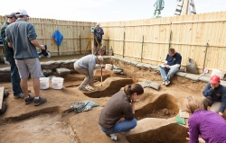A view of Chancel burial excavations on November 2013. (Courtesy of Smithsonian Institution and Jamestown Rediscovery Foundation (Preservation Virginia)
