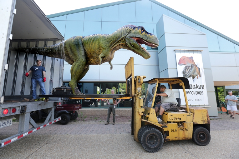 Dinosaurs arrive at VLM