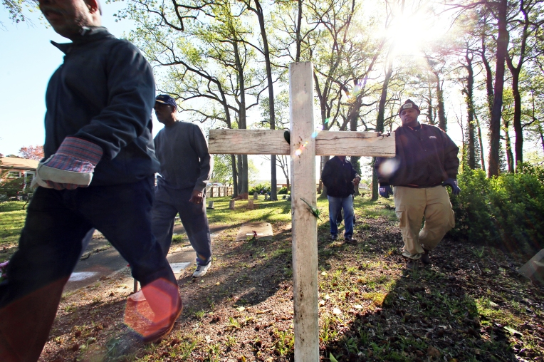 Tucker Cemetery Cleanup