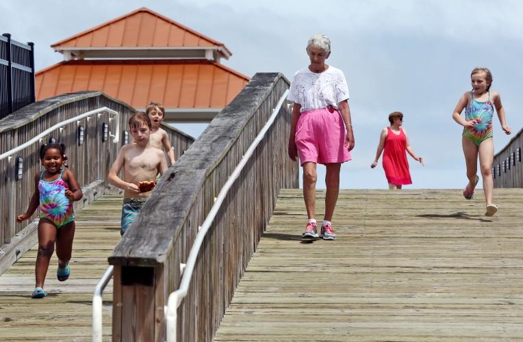 Buckroe Beach goers